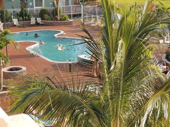 Hampton Inn & Suites Ocean City: Pool area
