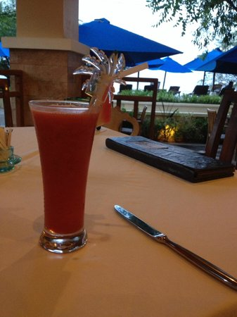 Villa Grasia Resort & Spa: Fresh watermelon juice, go for happy hour!