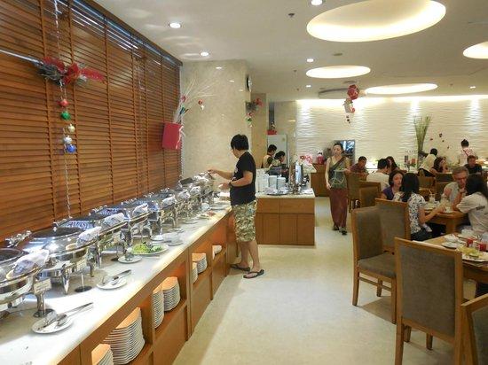 EdenStar Saigon Hotel : salle du petit dejeuné