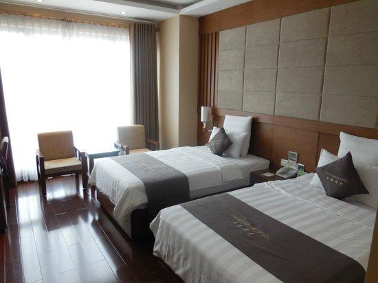 EdenStar Saigon Hotel : chambre