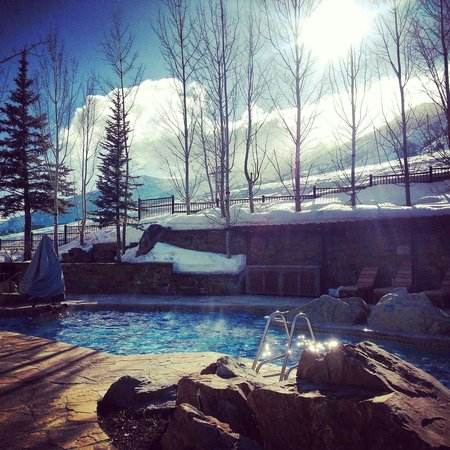Four Seasons Resort and Residences Jackson Hole: Pool area