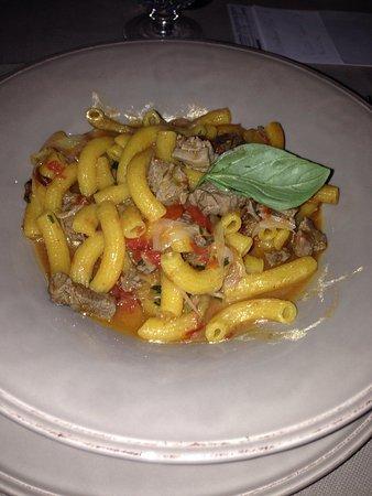 Casa Lucia: Maccheroncini con cipolle e punte di filetto
