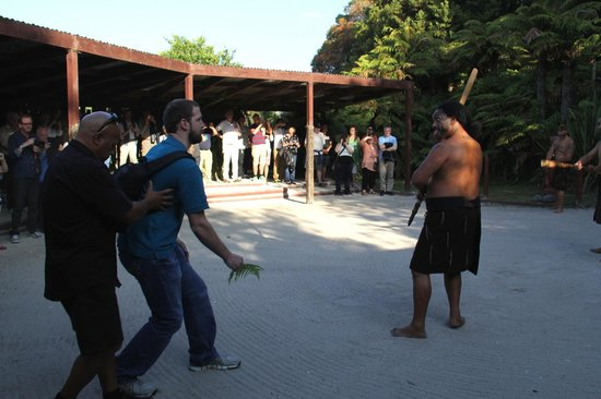 Maori-Dorf Tamaki: Powhiri - the welcoming ceremony