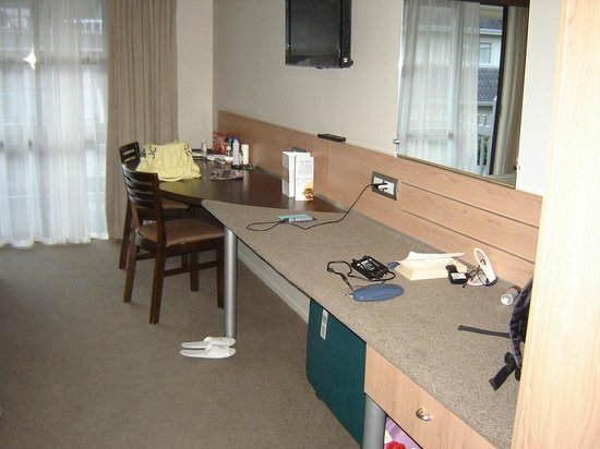 Kingsgate Hotel Autolodge Paihia: As you see very basic room but clean.
