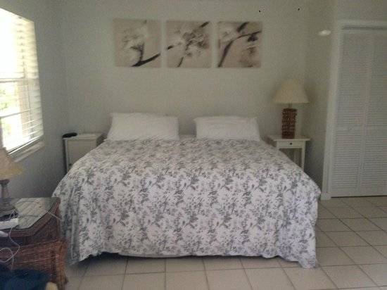 Coral Bay Resort: Bedroom