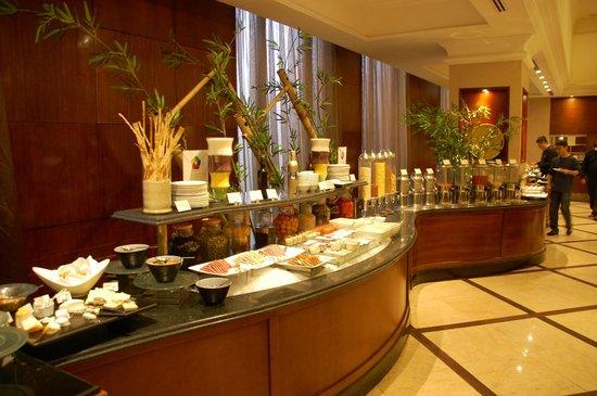 Sheraton Hanoi Hotel: Breakfast Buffett