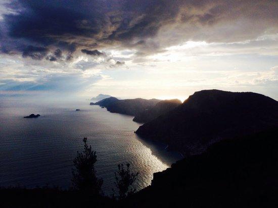 Agerola, İtalya: Questa è la veduta al tramonto
