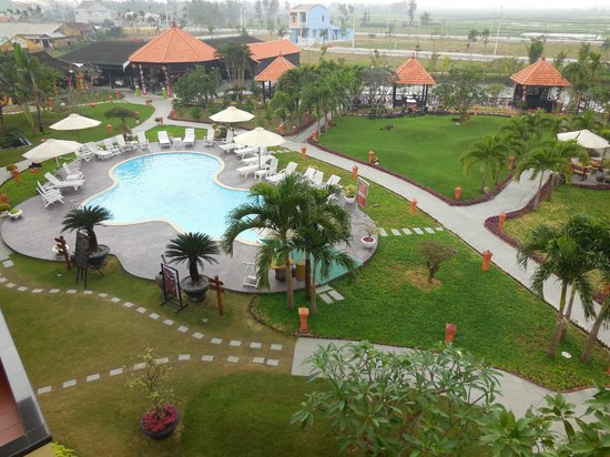 Phu Thinh Boutique Resort & Spa: le jardin etla piscine