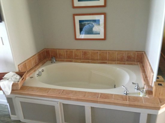 Cypress Inn on Miramar Beach : The Jacuzzi Tub - Big enough for two