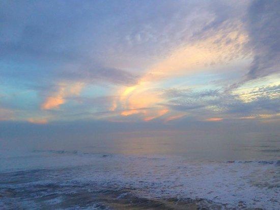 Cypress Inn on Miramar Beach: Sunset from Our Balcony
