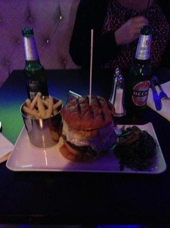 Barca: Monster Burger