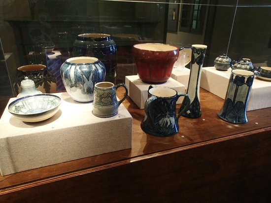Madame John's Legacy: Newcomb Pottery