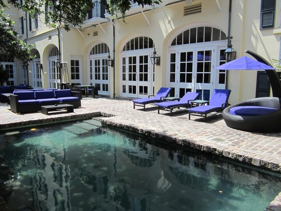 Hotel Le Marais : Gorgeous courtyard and pool