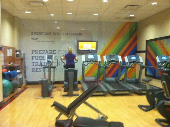 Sheraton Baltimore Washington Airport - BWI: workout room