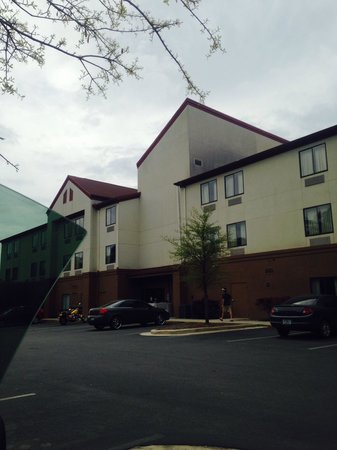 Red Roof Inn Panama City: Always hate driving away from red roof!