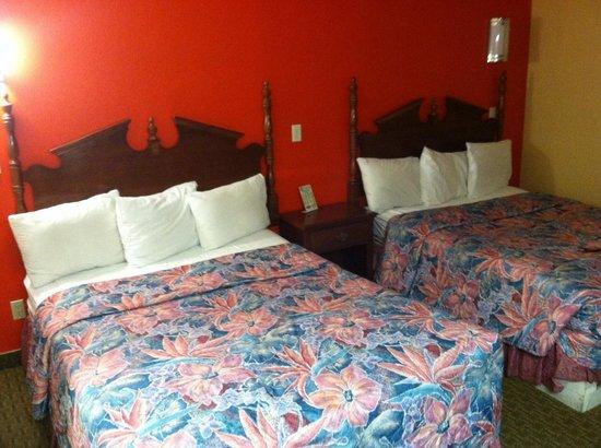 Coronada Inn and Suites : Bedroom