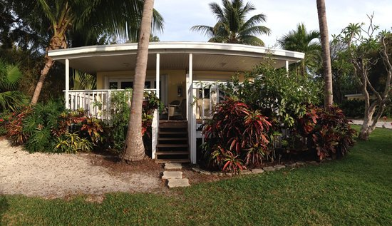 Coconut Bay Resort: Room 25 is on the left