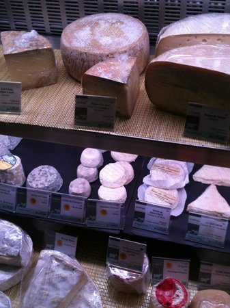 Le Coin Du Fromager : I'll take all of the cheeses, or cheese, or, whatever!