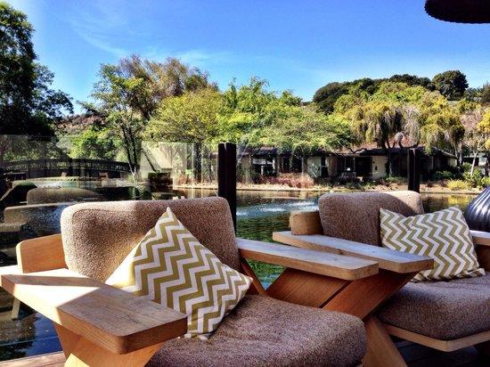 Quail Lodge & Golf Club: By the pond