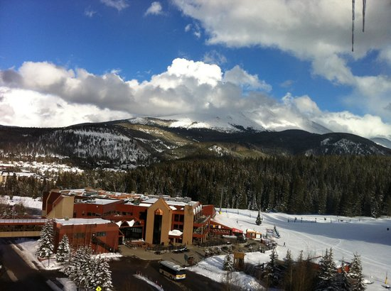 Beaver Run Resort and Conference Center : View from 8th floor balcony in building Four