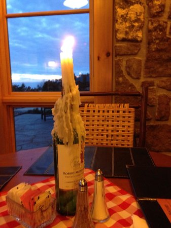 The Lodge at Mount Magazine: Romantic candlelight dinner in the lodge