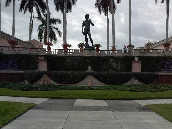 The Ringling: Courtyard