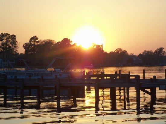 Taw Caw Campground & Marina : sunset