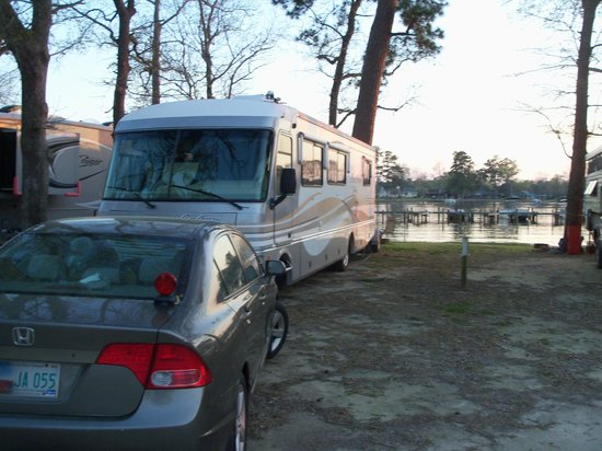 Taw Caw Campground & Marina: campsite on water