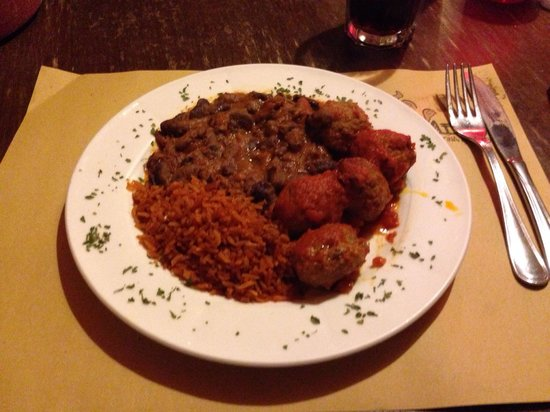 Mexi Cantina e Tacos: Polpettine di carne accompagnate da riso messicano e fagioli : buonissimo!