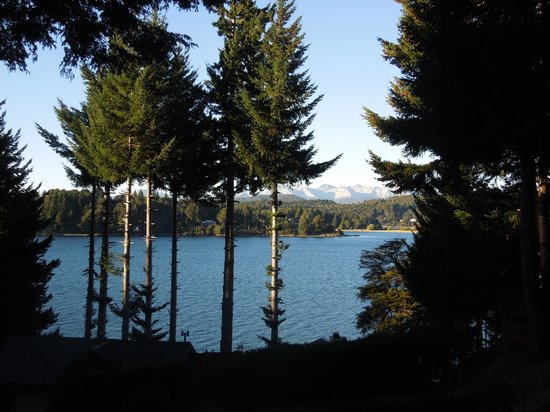 Apart Hotel Cabanas Lago Moreno: Temprano a la mañana