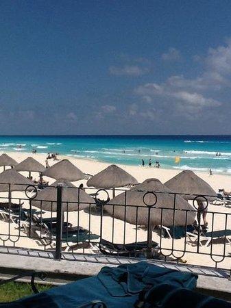 JW Marriott Cancun Resort & Spa: view from pool