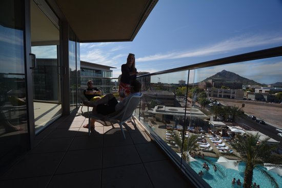 W Scottsdale: Relaxing on the patio