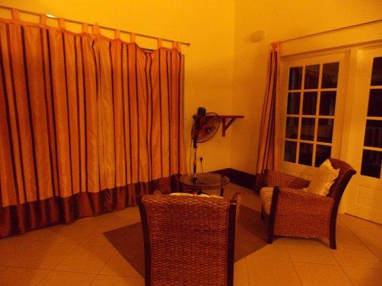 La Haut Resort: Sitting area