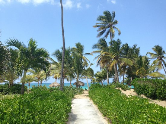 Sivory Punta Cana Boutique Hotel: Path to the beach