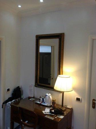 Fiorentini Residence: Room