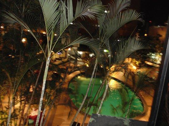 Continental Hotel & Casino: piscina