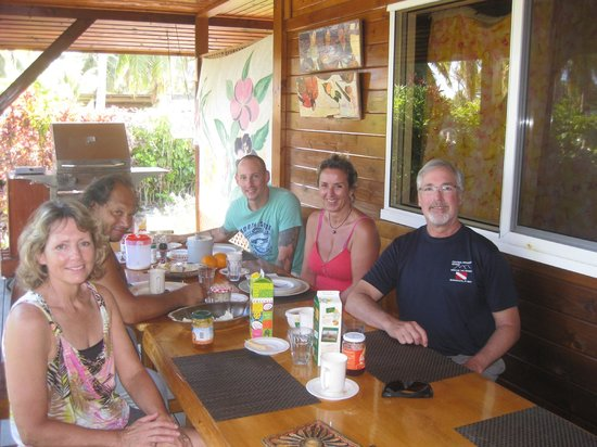 Pension Bounty : breakfast with other guests