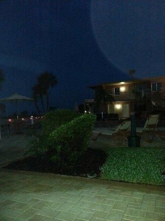 Treasure Island Ocean Club: before sunrise