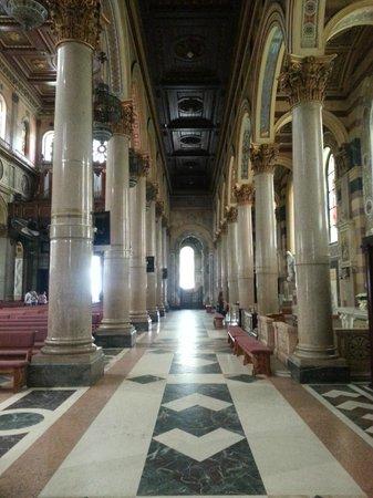 Basílica de Nossa Senhora de Nazare : Vista interna