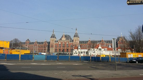 NH Collection Amsterdam Barbizon Palace: Looking at the Central Train station from in front of the Hotel