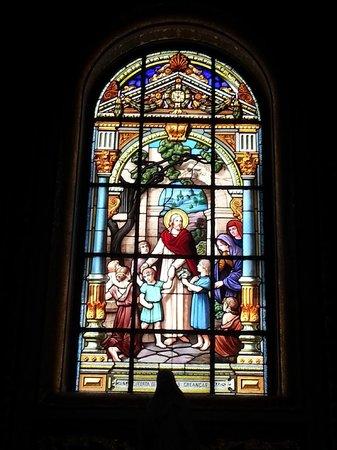 Basílica de Nossa Senhora de Nazare : Vitrô