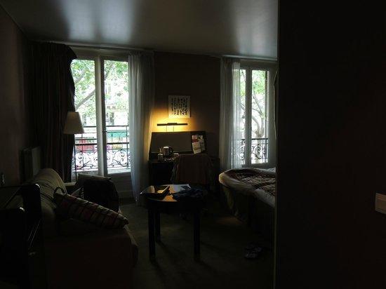 Mercure Paris Terminus Nord: Generosa habitación
