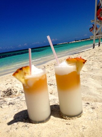Secrets St James: Pina coladas at the beach are the best!