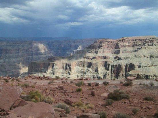 Grand Canyon Skywalk: Lightening storm in the distance....soooo beautiful
