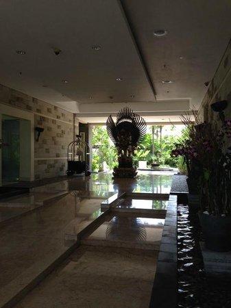 The Seminyak Beach Resort & Spa : Grand Foyer
