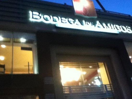 Bodega Snacks&Beer: Store front