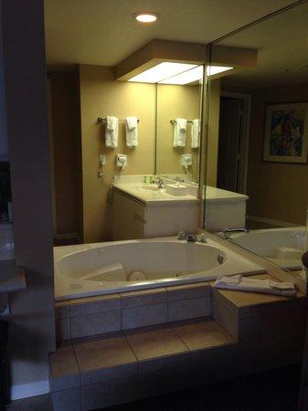 Westgate Lakes Resort & Spa : Jacuzzi bath tub