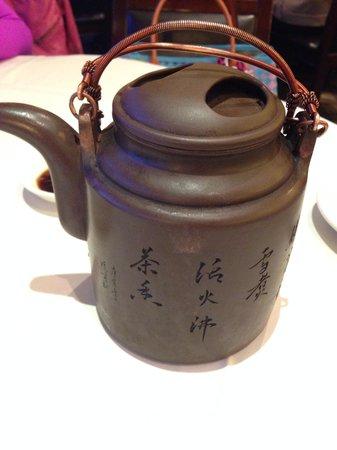 Shanghai River : Mom Tea
