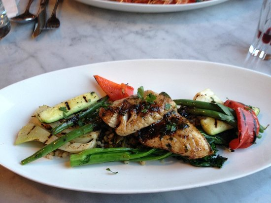 Pomodoro Trattoria & Wine Bar: Pan fried pickeral with roasted veg