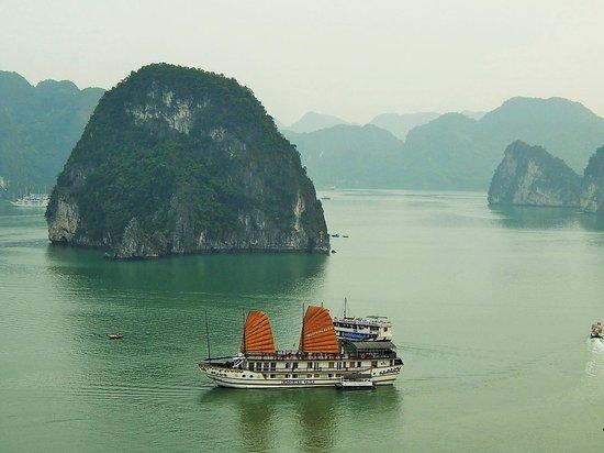 Hanoi Family Homestay: Ha Long Bay Tour
